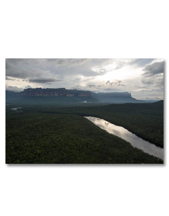 Norte Auyantepuy y Río Carrao