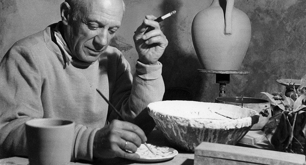 Picasso pintando arte